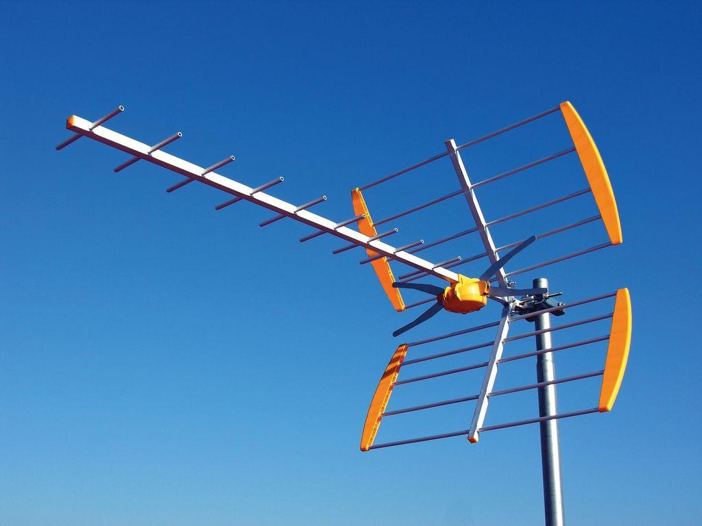 Antenas bcn nuestros trabajos de antenista en barcelona for Antenas parabolicas en granada